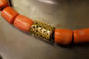 Korallen-Collier mit Verschluss in Gelbgold 750