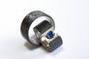Weissgold 750/ Carbon mit 1 Saphir, 5mm, 0.58ct., A-Qualtität